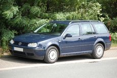 VW Golf IV Variant.JPG