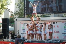 Cheerleader-Pyramide.JPG